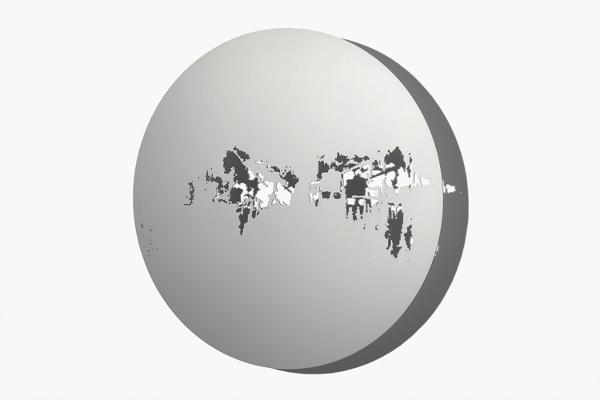 Schatten | Raum, Scheibe VII, 2012 Aluminium, Aussparung gesägt, eloxiert, Ø 720 x 3 mm (Foto: René Schäffer)